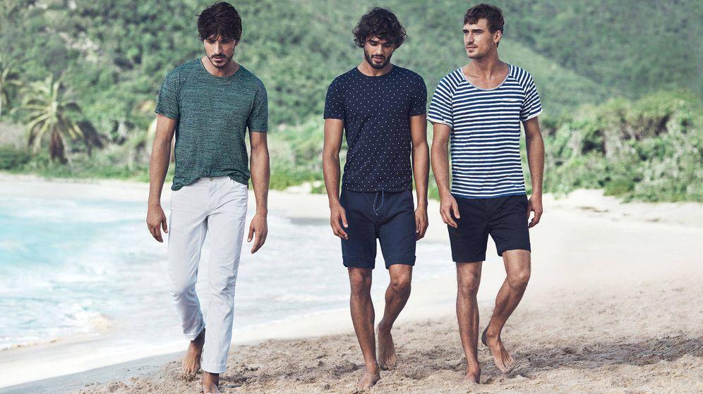 Foto: Bermudas, camisetas o pantalones de lino. La estética no está reñida con el relax. (Imagen: H&M)