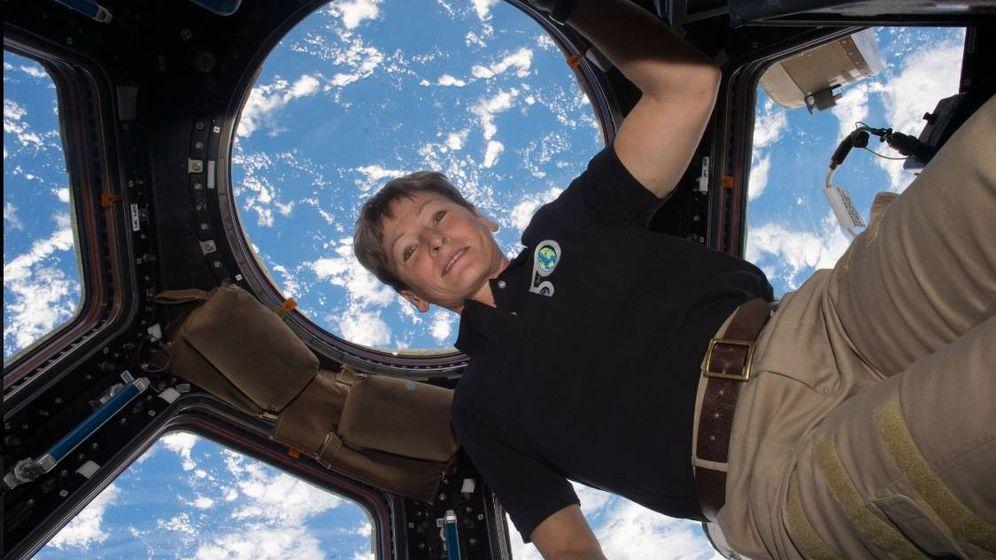 Foto: Peggy Whitson en la Estación Espacial Internacional. (NASA)
