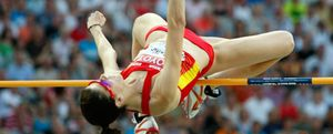 Ruth Beitia da la primera medalla a España