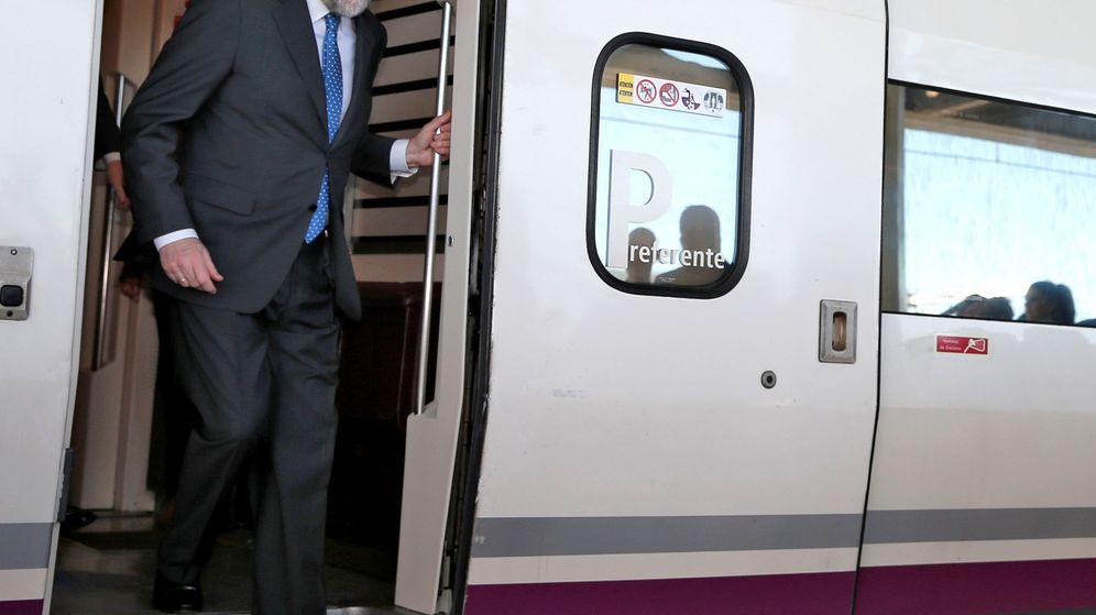 Foto: El presidente del Gobierno, Mariano Rajoy, en la inauguración del AVE a Castellón. (EFE)