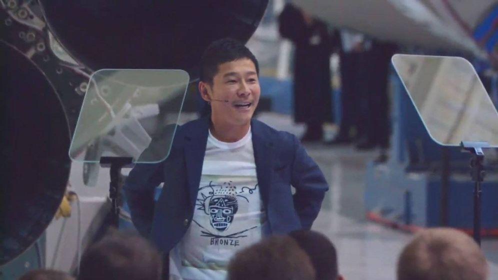Foto: Yusaku Maezawa durante la presentación (Foto: SpaceX)