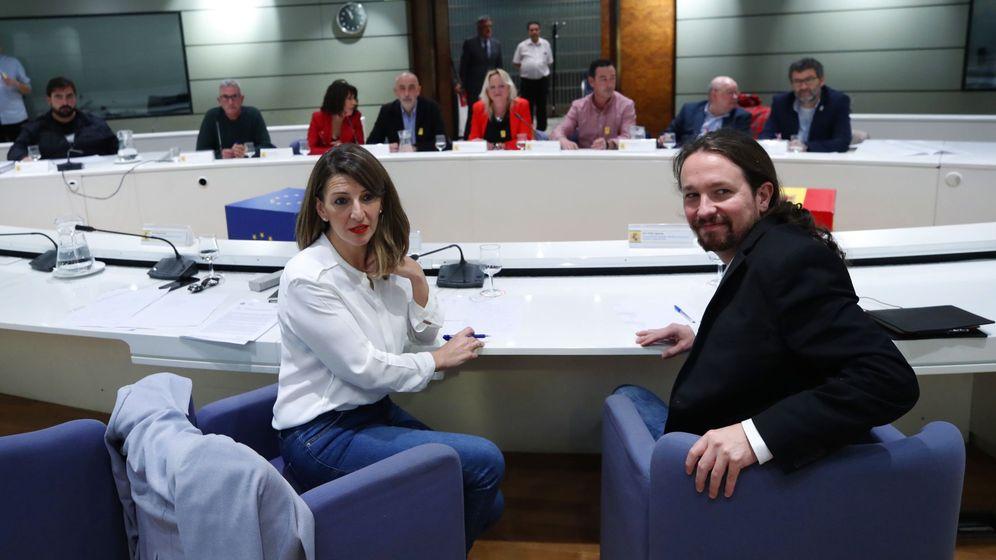 Foto: Yolanda Díaz y Pablo Iglesias, durante la reunión del pasado viernes con los sindicatos agrarios. (EFE)
