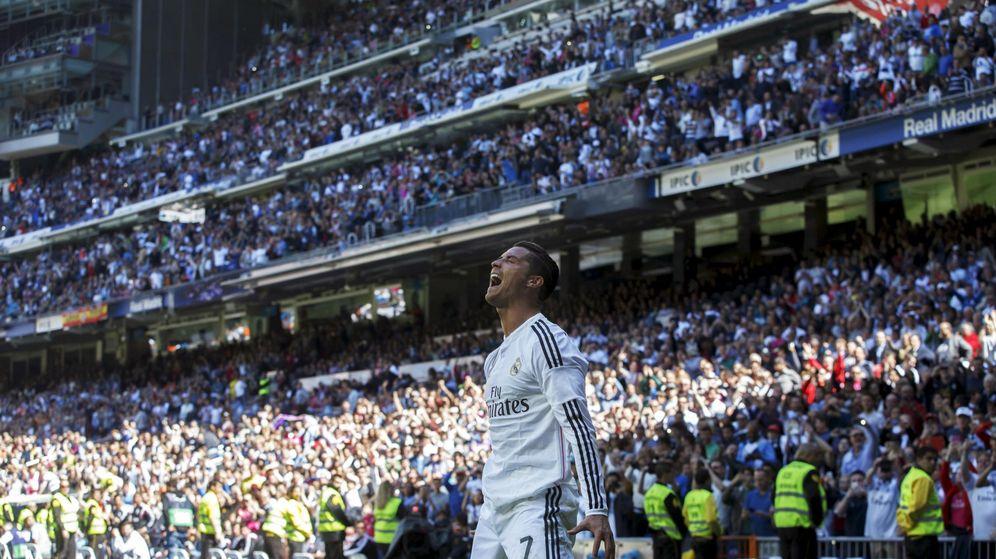 Foto: Cristiano Ronaldo celebrando uno de sus goles ante el Granada.