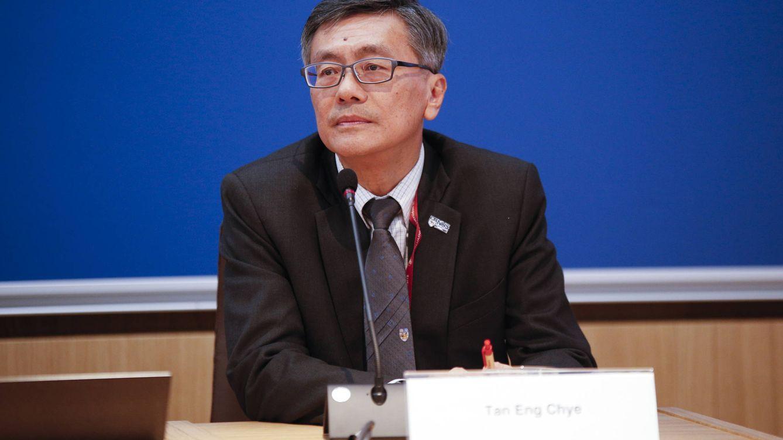 """El rector de la mejor universidad de Asia: """"Mucha gente de 40 a 55 perderá su trabajo"""""""