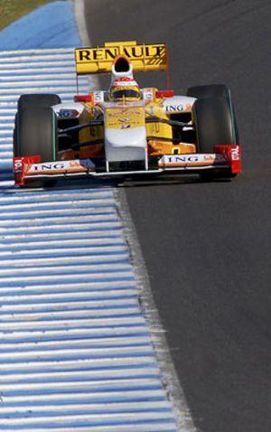 Alonso, Hamilton, Massa y Raikkonen centran los entrenamientos en Jerez