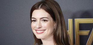 Post de Hablemos del tinte de Anne Hathaway: ¿tres tonos de pelo distintos en tres meses?