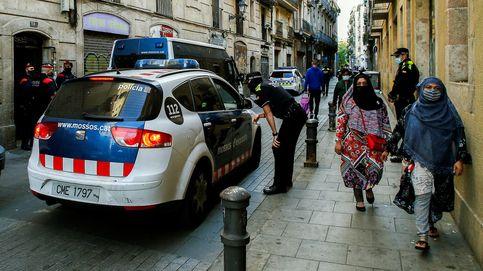 Los Mossos investigan la agresión a un sintecho rociado con gasolina cuando dormía