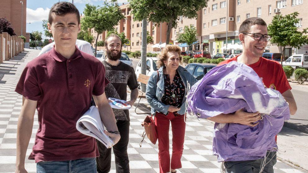 Predicar el cambio con 500 euros : las penurias rurales de Podemos y C's