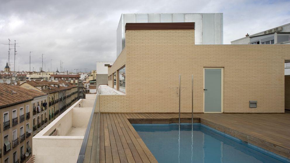 Vivo de alquiler y mi vecino de arriba quiere hacer una piscina, ¿puede?
