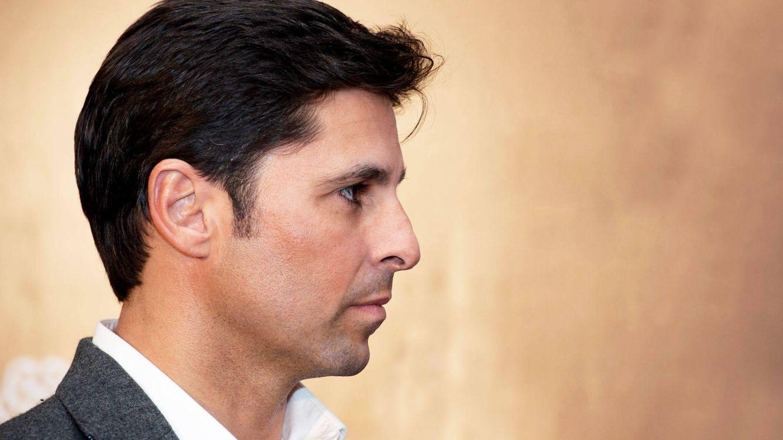 Fran Rivera, obligado a anular la fiesta tras la Goyesca por un piquete de los vecinos