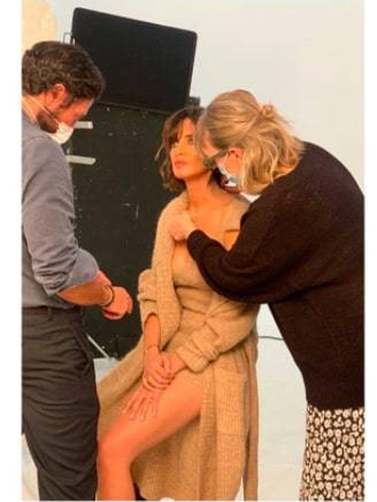 Sara Carbonero muestra en Instagram su total look de punto de Zara. (Cortesía)