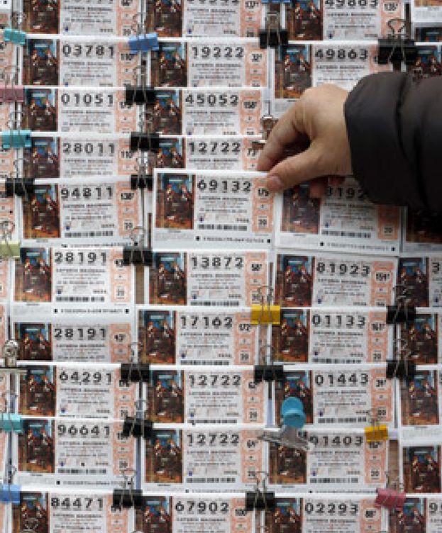 Foto: La dimisión de Aguirre y el fin del mundo maya, entre los más vendidos para la Lotería de Navidad