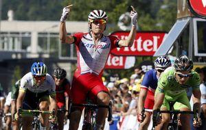 Kristoff le roba de nuevo la victoria a Peter Sagan y Nibali sigue líder