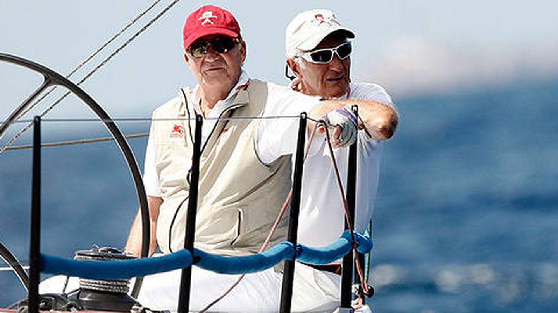 Josep Cusí y el rey Juan Carlos, en una imagen de archivo. (EFE)