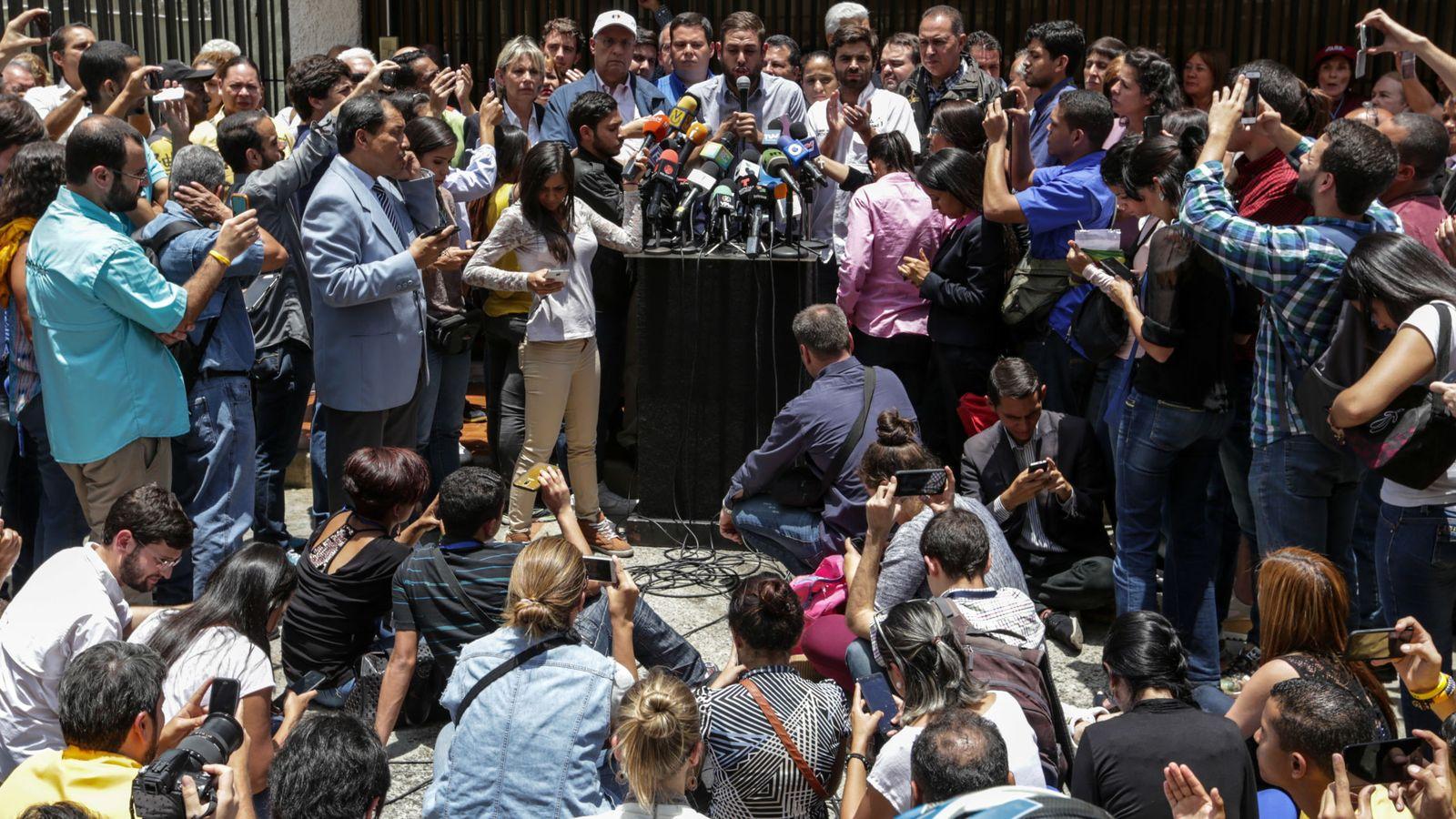 Foto: Los opositores durante una rueda de prensa. (EFE)
