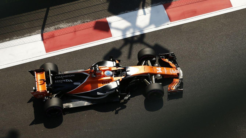 La esquizofrenia de Alonso y McLaren: Frustrado y contento, las dos cosas a la vez