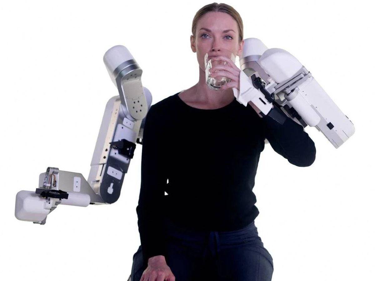 Foto: El Harmony SHR es un exoesqueleto robótico que actúa en la parte superior del cuerpo. Foto: Harmony Bionics.