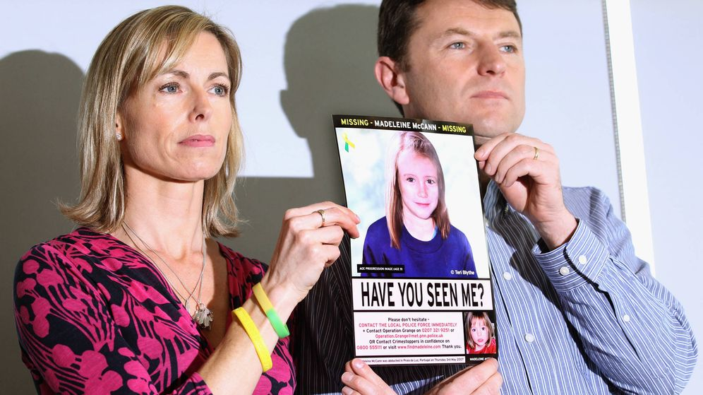Foto:  Kate y Gerry McCann, con una foto de Madeleine. (Getty)