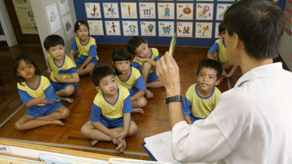 Foto: Niños en una clase de primaria en Singapur. (Reuters)