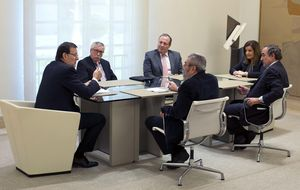 Rajoy se reúne con Toxo, Méndez y Rosell para retomar el diálogo social