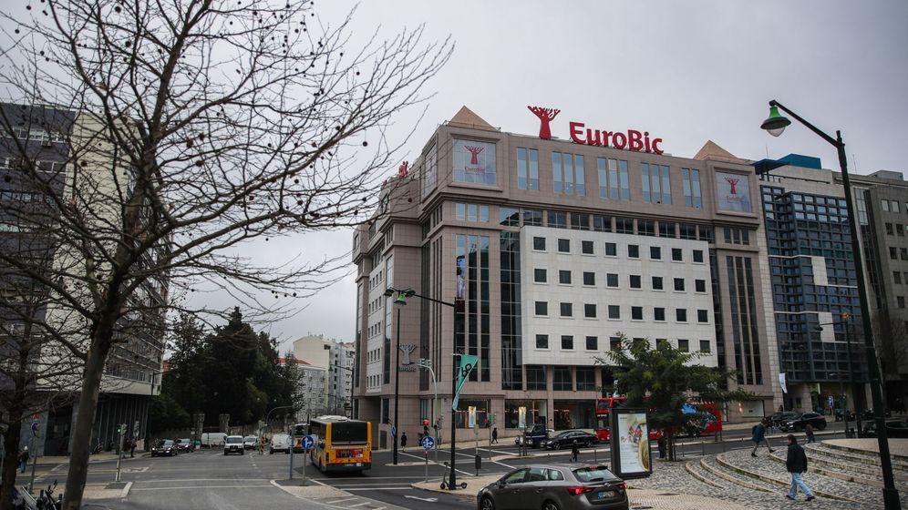 Foto: Sede del banco Eurobic en Lisboa. (EFE)
