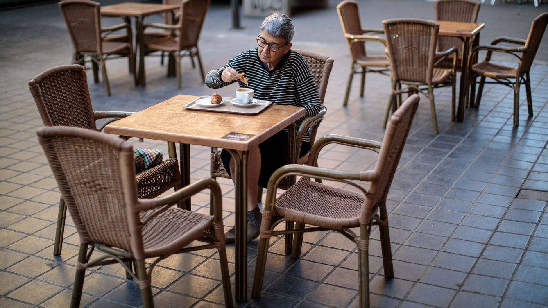 La economía de la silla vacía y los sofás llenos