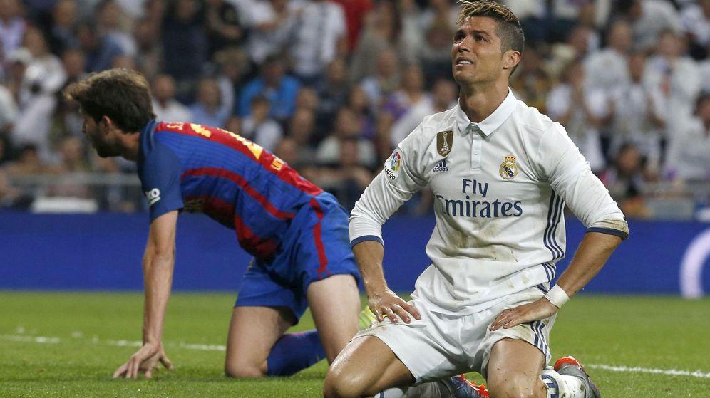 Foto: Cristiano Ronaldo se lamenta de una ocasión fallada. (EFE)
