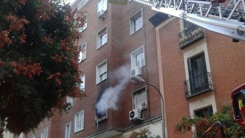 Fallece una mujer y su nieto intoxicado en un incendio en Chamberí (Madrid)