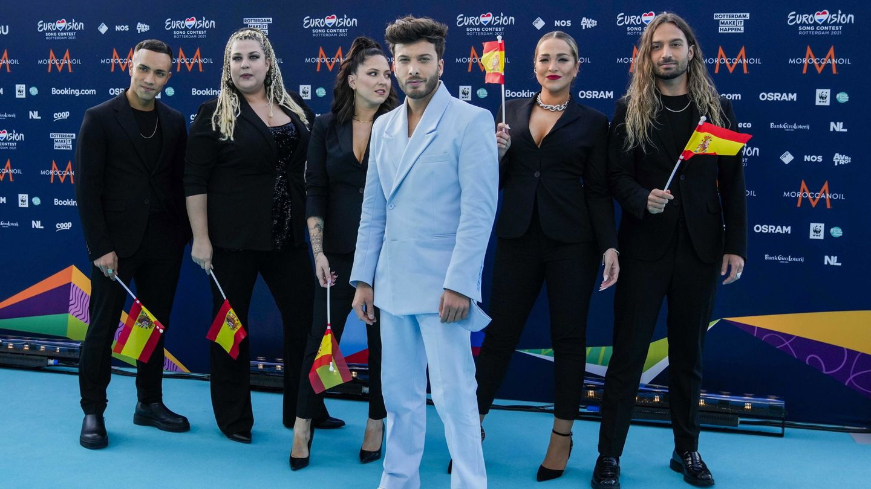 Blas Cantó, representante de España en Eurovisión 2021, y sus coristas. (Agencia EFE)