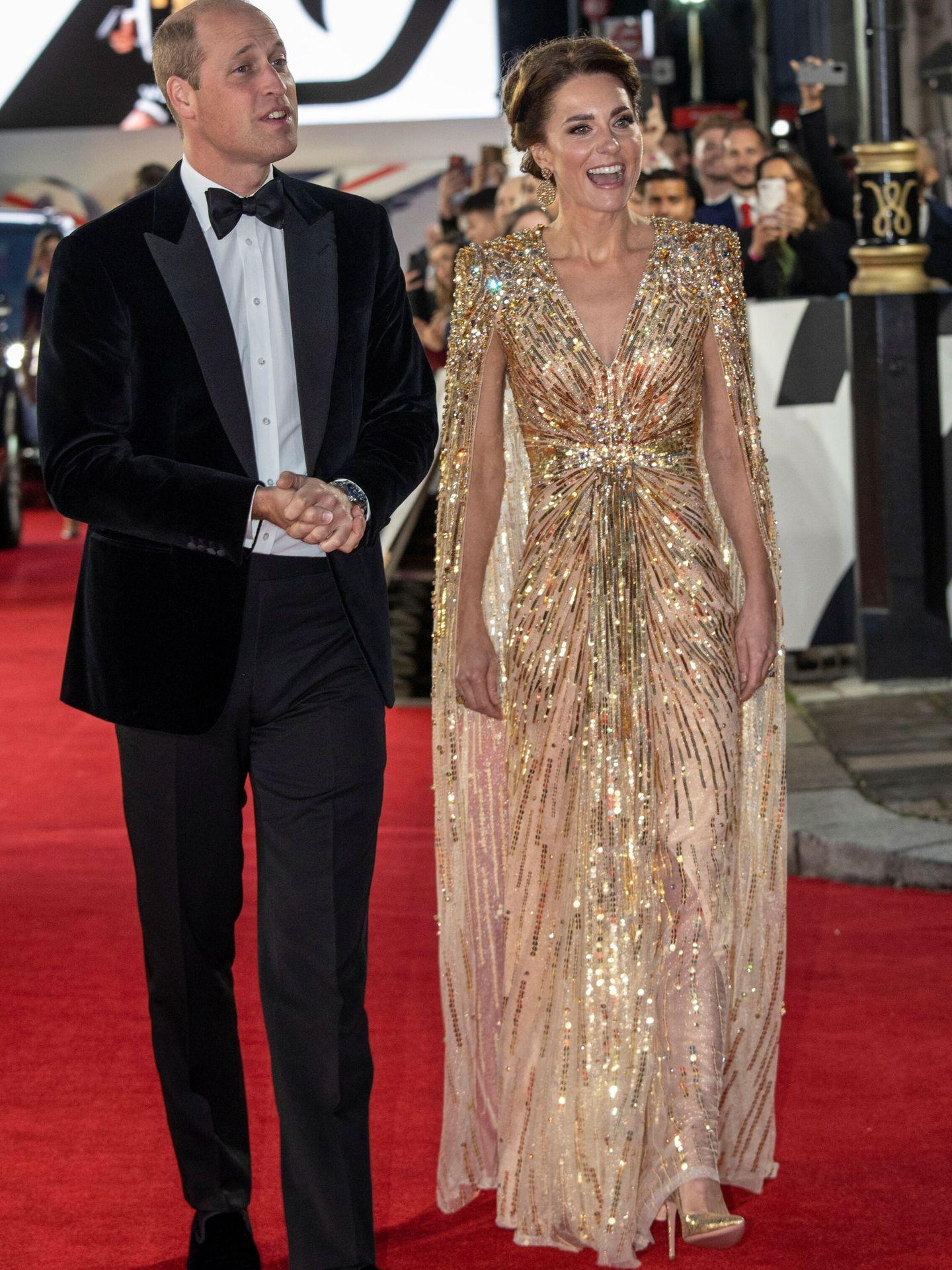 Los duques de Cambridge, en la presentación de la nueva película de 007. (Reuters)