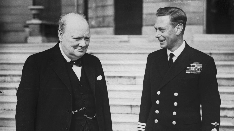 Winston Churchill y el rey Jorge VI. (Getty)