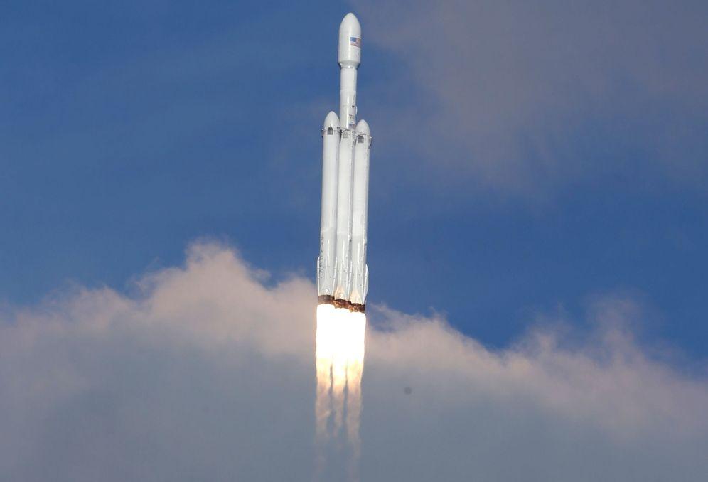 Foto: El Falcon Heavy despega desde Cabo Cañaveral (Reuters)