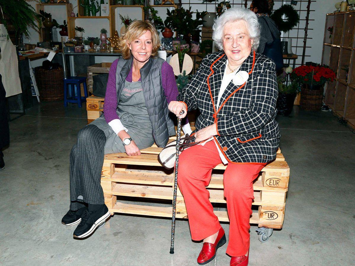 Foto: La infanta Pilar y Simoneta Gómez-Acebo. (Getty)