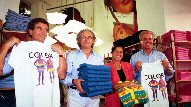 Los cuatro fundadores posan en 2003 con camisetas de la marca. (Cordon Press)
