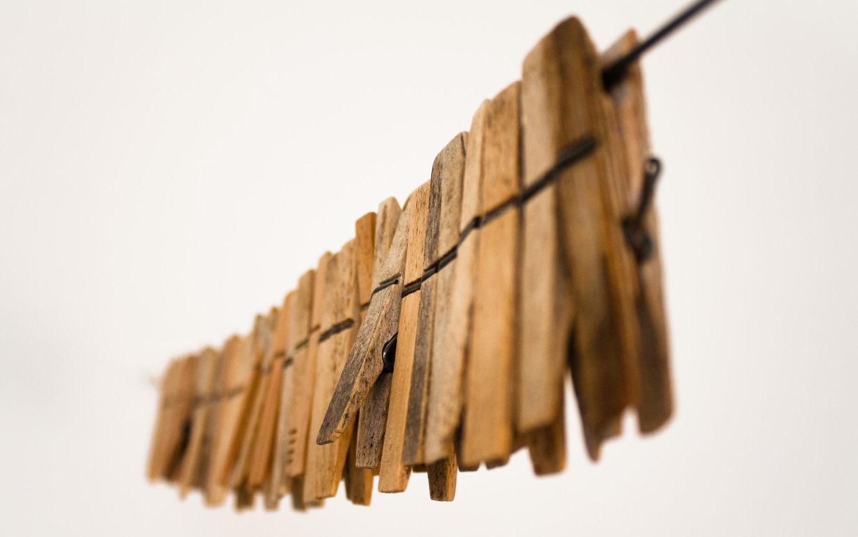 Inventos cotidianos el origen de los objetos que for Mecanismos de estores caseros