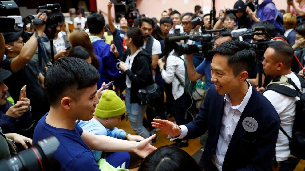 El bloque prodemócrata arrasa en las elecciones locales de Hong Kong