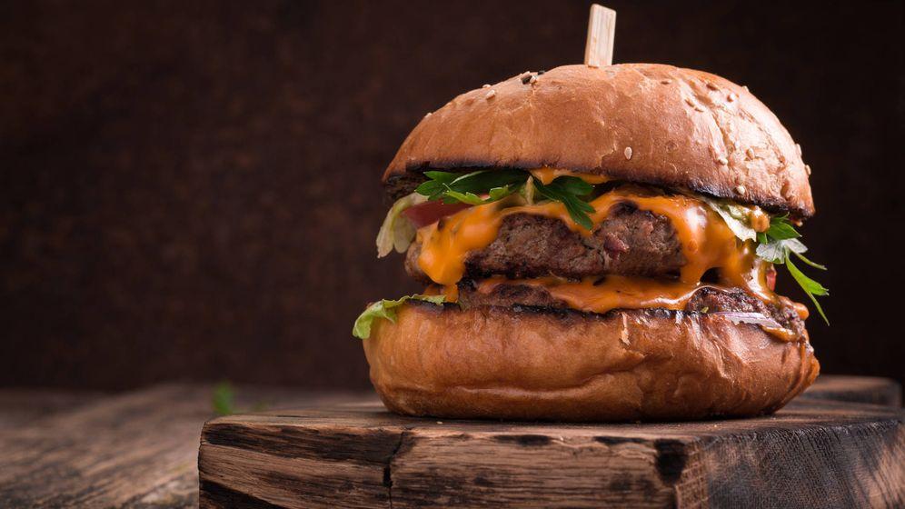 Foto: Un hamburguesa de verdad hecha en casa. (iStock)