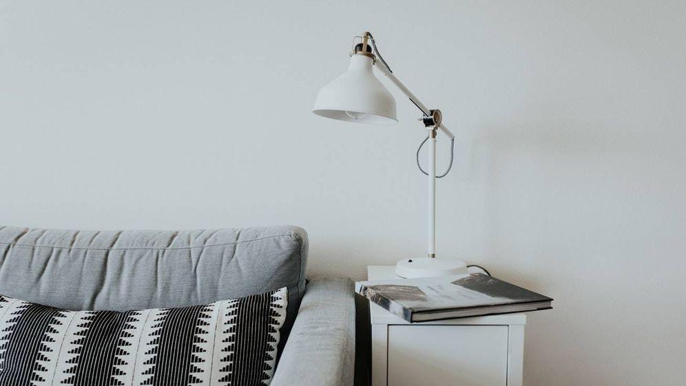 Foto: Decoración minimalista tipo IKEA. (Becca Tapert para Unsplash)
