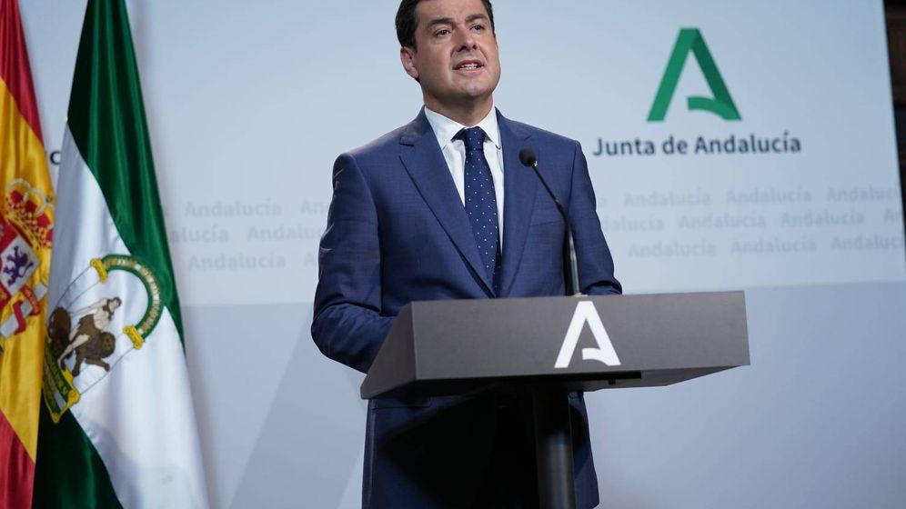 Foto: Juanma Moreno, presidente de Andalucía, compareció este domingo. (Foto: Junta de Andalucía)