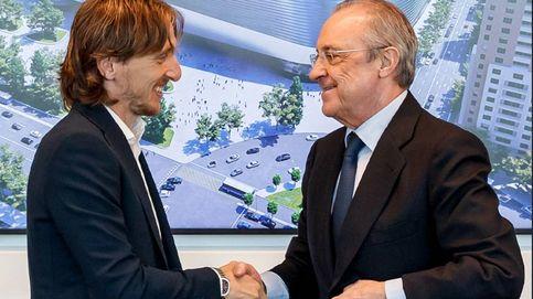 Florentino se sale con la suya: Modric renueva un año con rebaja salarial