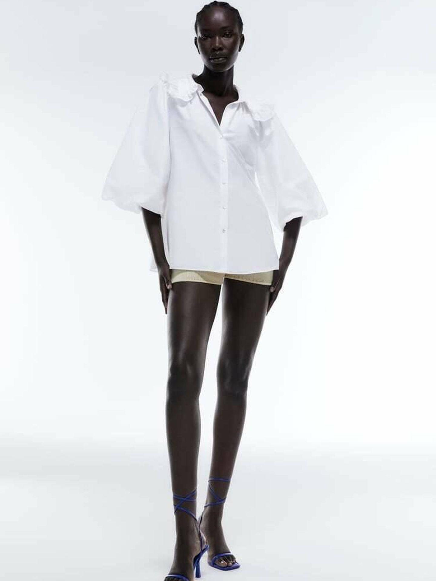 La camisa blanca de Zara. (Cortesía)