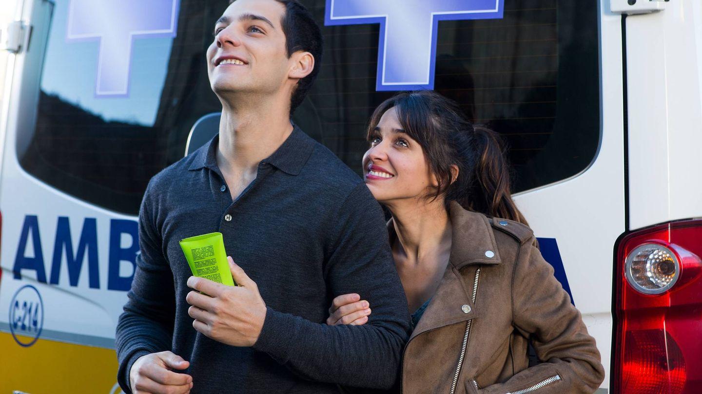 Joel Bosqued y Macarena García en 'Que baje Dios y lo vea'. (DeAPlaneta)