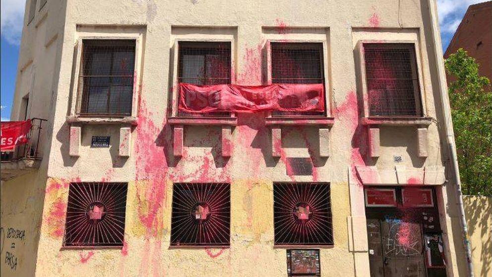 Atacada con pintura la sede madrileña del PSOE en la que se afilió Pedro Sánchez
