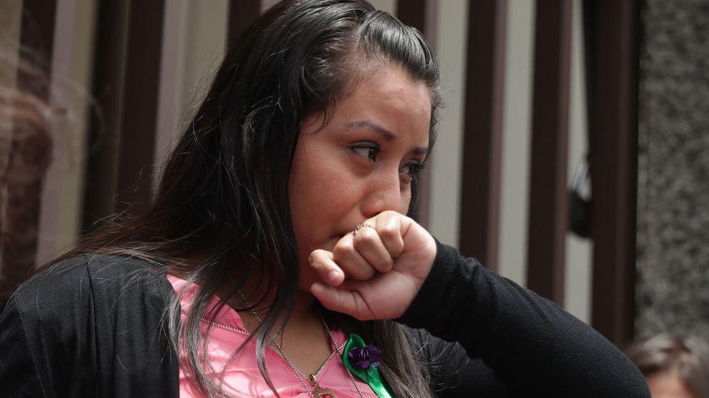 Absuelven a Évelyn, condenada a 30 años por homicidio tras perder a su bebé en el parto