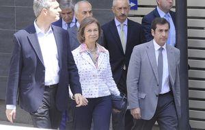 Zarzuela confirma que la Reina coincidirá con Cospedal en Saint Moritz para la reunión del 'Club Bilderberg'