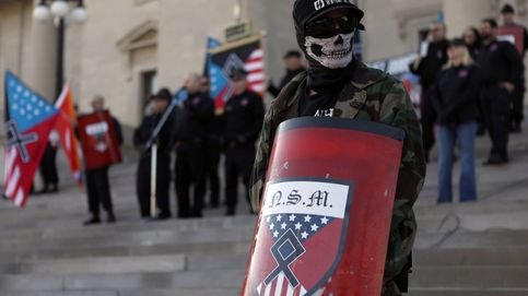 Dentro de una marcha de supremacistas blancos
