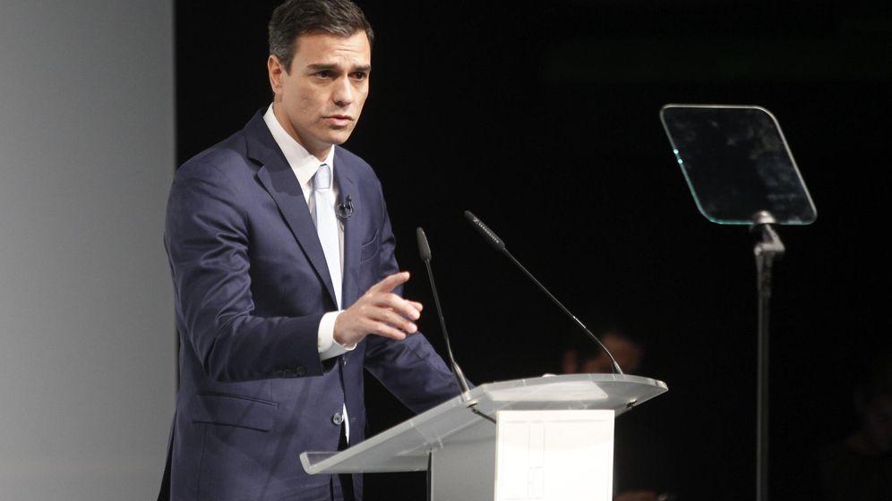 Foto: Pedro Sánchez, durante su intervención en el foro organizado por el diario 'El Mundo' en los Teatros del Canal, en Madrid, este 12 de noviembre. (EFE)