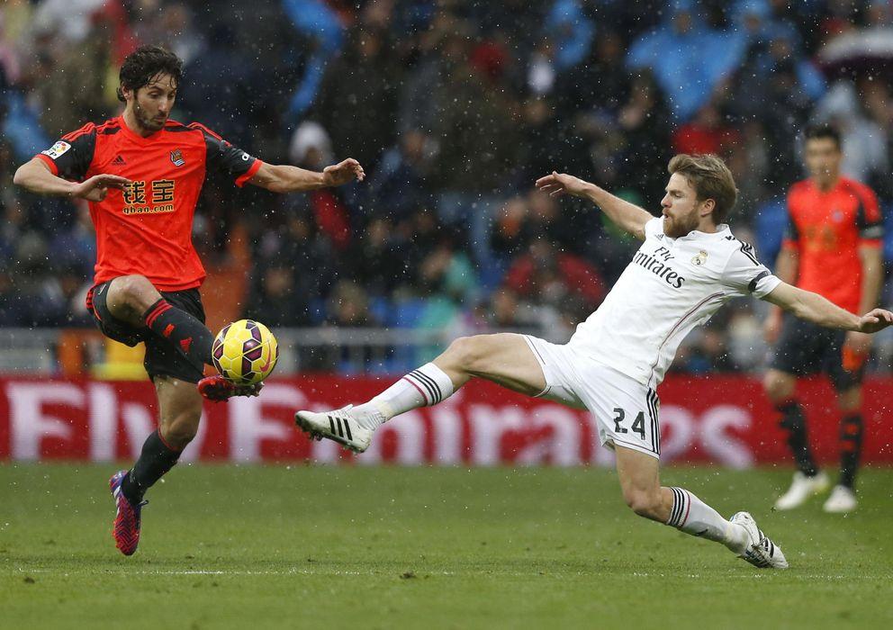 Foto: Illarramendi, en un lance durante el Real Madrid-Real Sociedad (EFE)