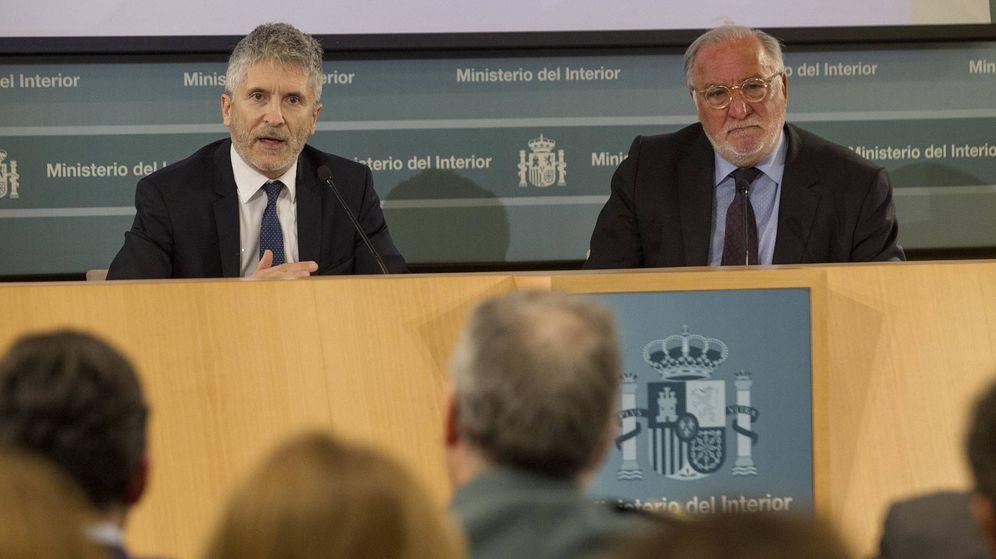 Foto: El ministro del Interior y el director general de Tráfico en la rueda de prensa para analizar la siniestralidad. ©Miguel Berrocal