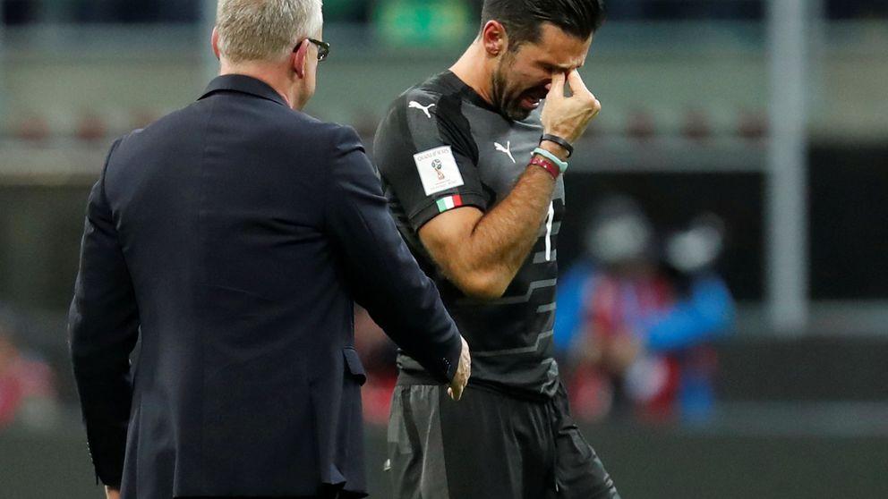 Buffon rompe a llorar tras la derrota de Italia: Lo siento por la afición